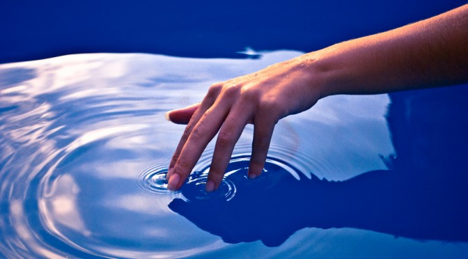 touch-the-water-ripple-effect-672x372.jpg