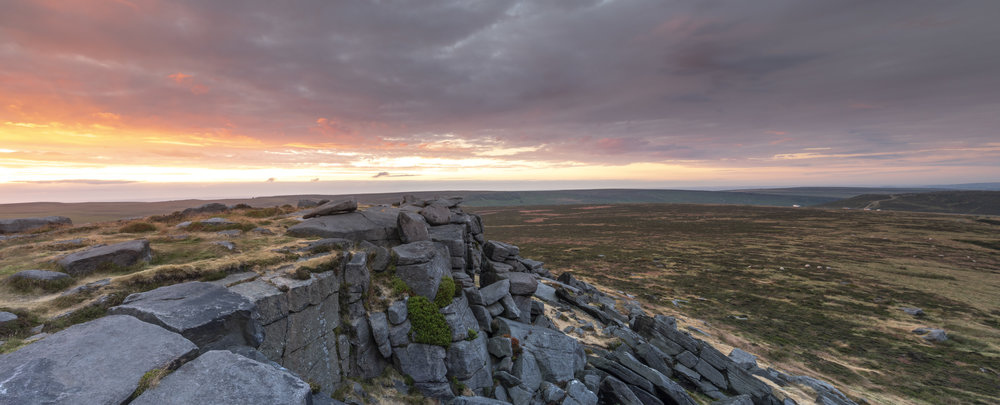 stanage rocks pano.jpg