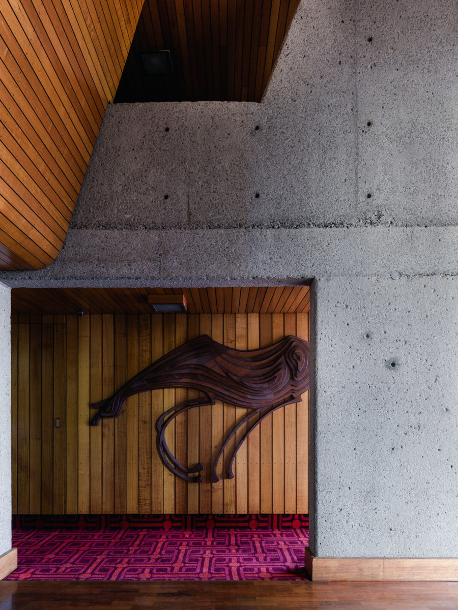 The interior details of the Sirius building are simply breathtaking. Photo by  Barton Taylor .