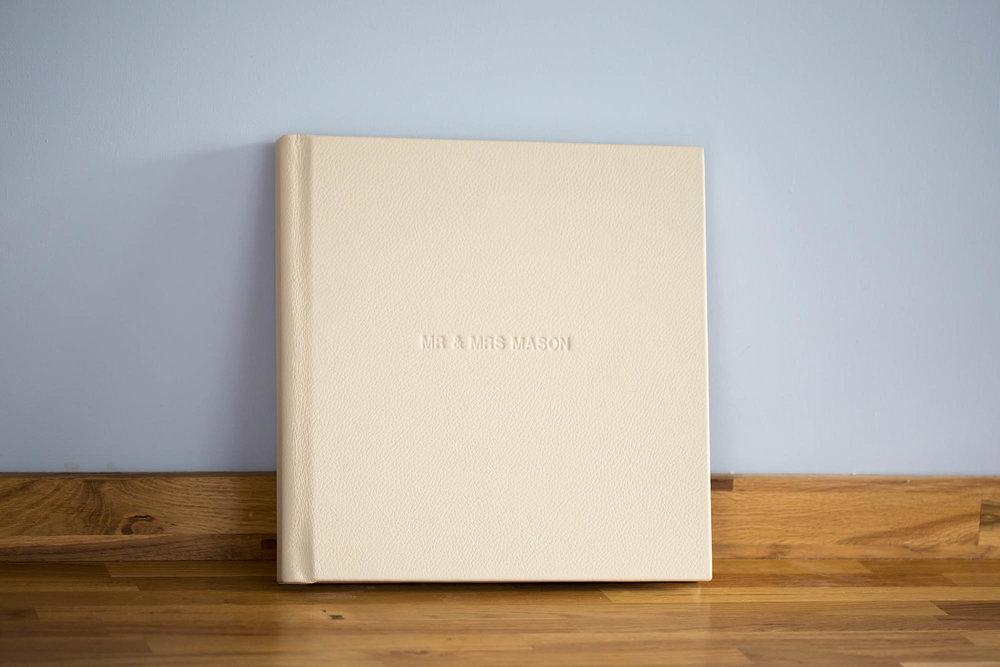 Julia_toms_wedding_album_folio_003.jpg
