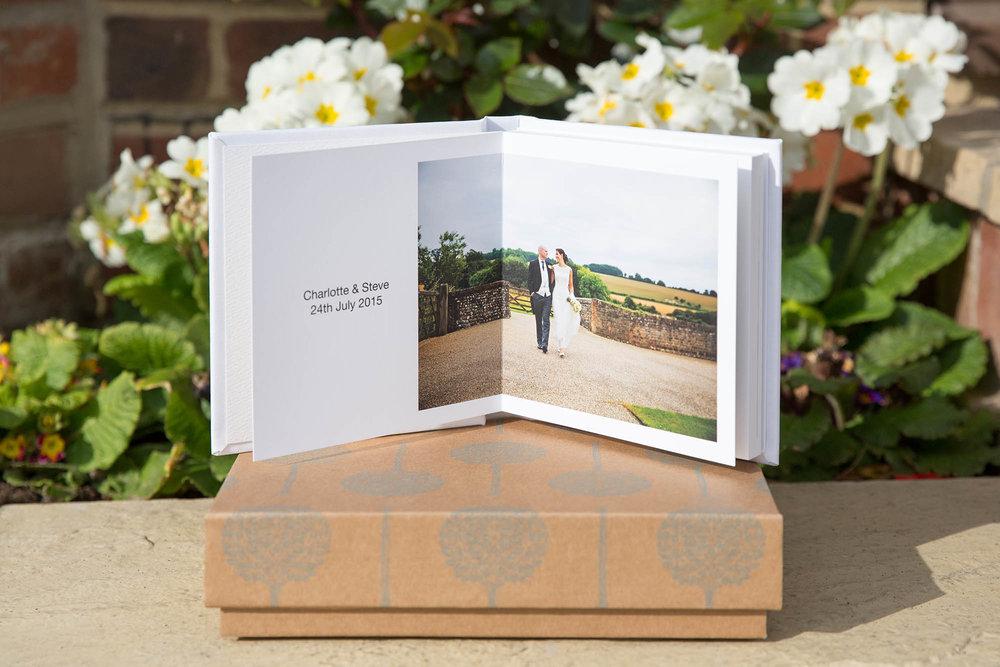 Julia_toms_wedding_album_folio_mini_005.jpg