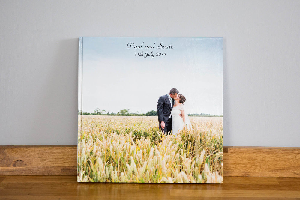 Julia_toms_wedding_album_story_book_003.jpg
