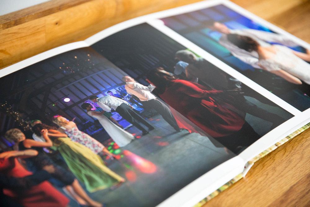 Julia_toms_wedding_album_story_book_007.jpg