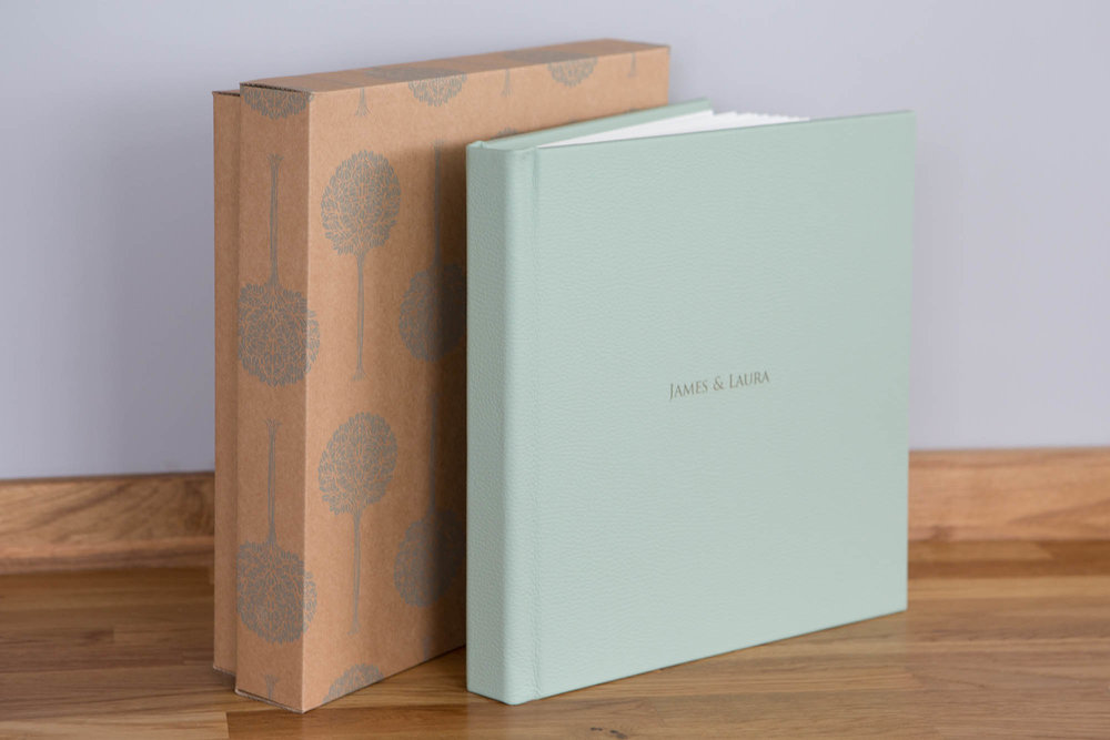 Julia_toms_wedding_album_folio_leather_044.jpg
