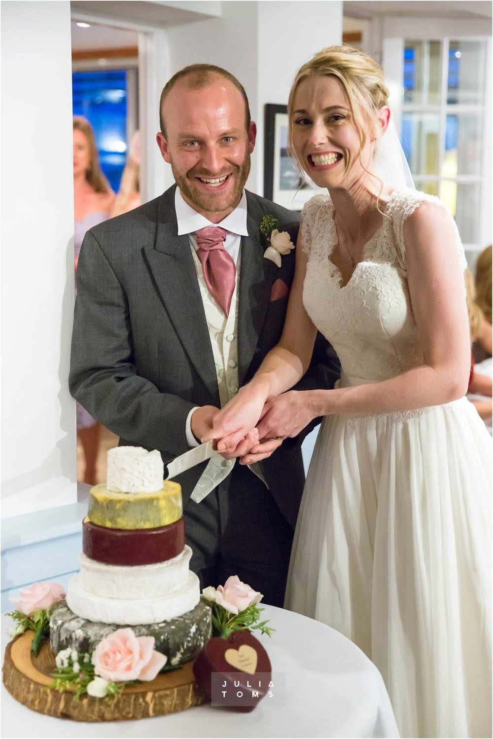 itchenor_wedding_chichester_photographer_087.jpg