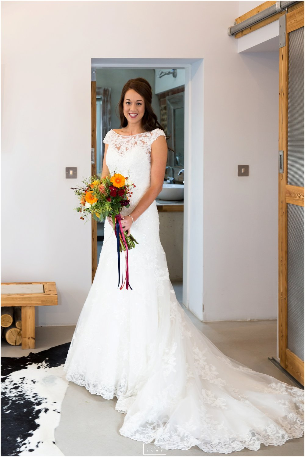 Southend_barn_wedding_photographer_chichester_038.jpg