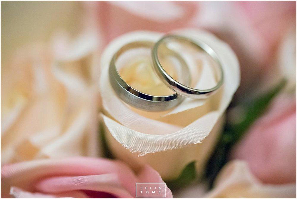 JuliaToms_chichester_wedding_photograher_edes_house_011.jpg