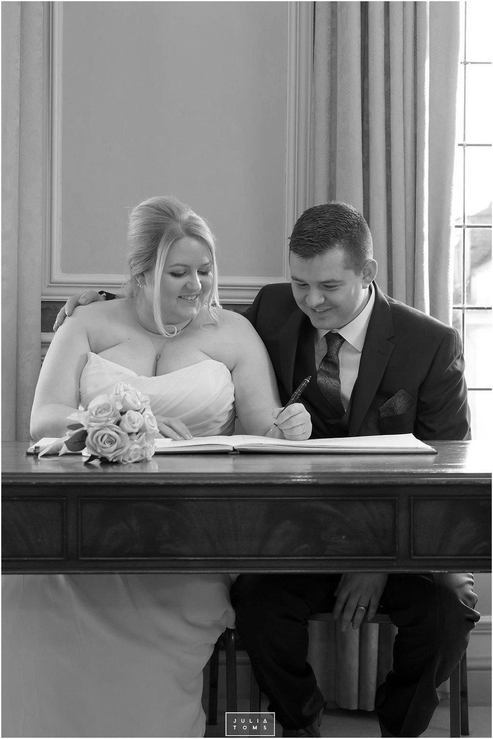 JuliaToms_chichester_wedding_photograher_edes_house_018.jpg