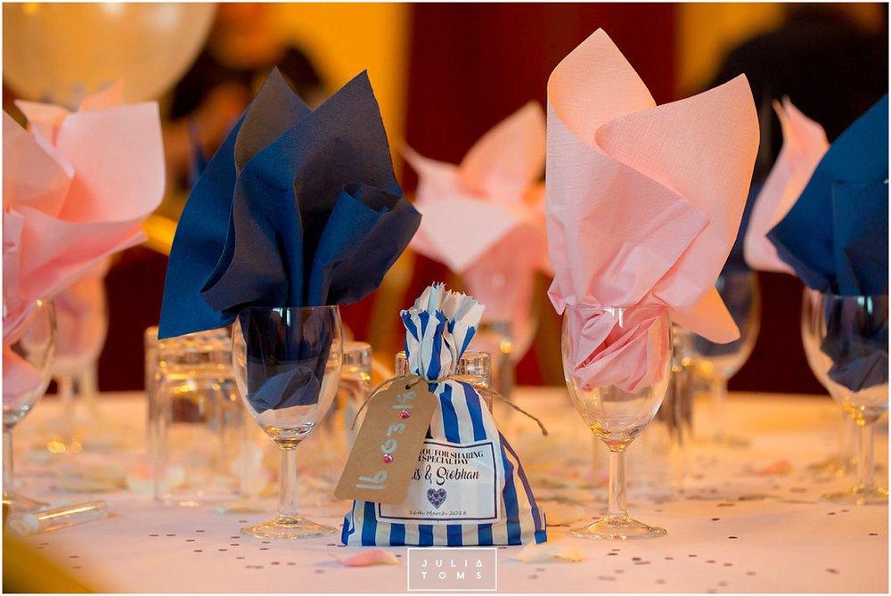 JuliaToms_chichester_wedding_photograher_edes_house_042.jpg