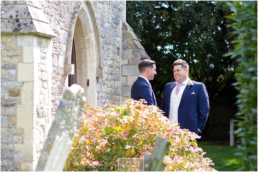 JuliaToms_chichester_fishbourne_wedding_photograher_edes_house_005.jpg