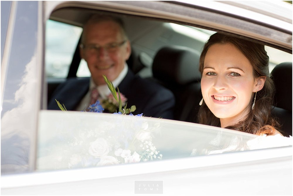JuliaToms_chichester_fishbourne_wedding_photograher_edes_house_010.jpg