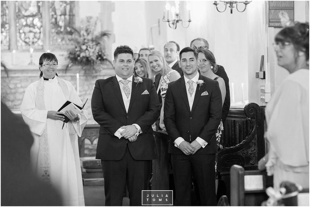 JuliaToms_chichester_fishbourne_wedding_photograher_edes_house_013.jpg