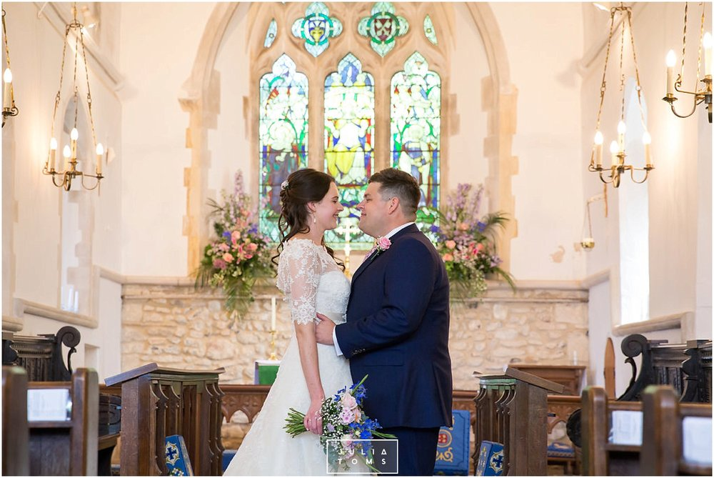 JuliaToms_chichester_fishbourne_wedding_photograher_edes_house_014.jpg