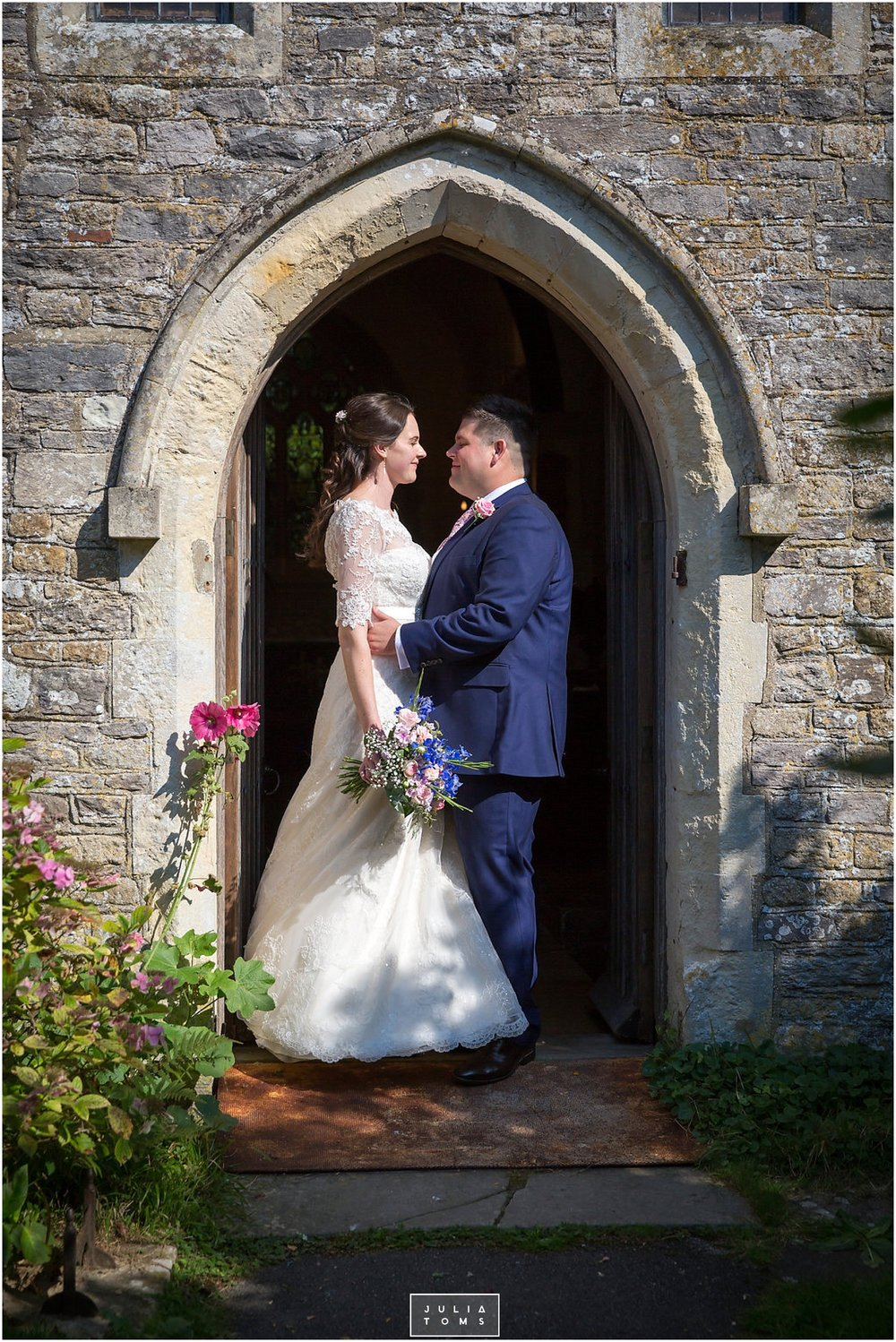 JuliaToms_chichester_fishbourne_wedding_photograher_edes_house_015.jpg