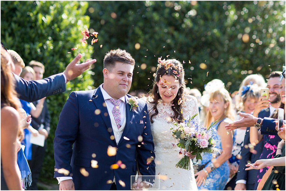 JuliaToms_chichester_fishbourne_wedding_photograher_edes_house_017.jpg