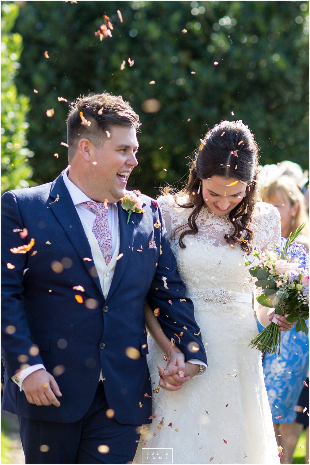 JuliaToms_chichester_fishbourne_wedding_photograher_edes_house_018.jpg