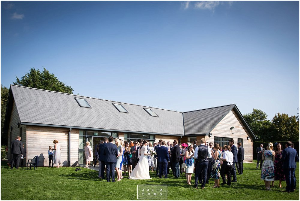 JuliaToms_chichester_fishbourne_wedding_photograher_edes_house_025.jpg
