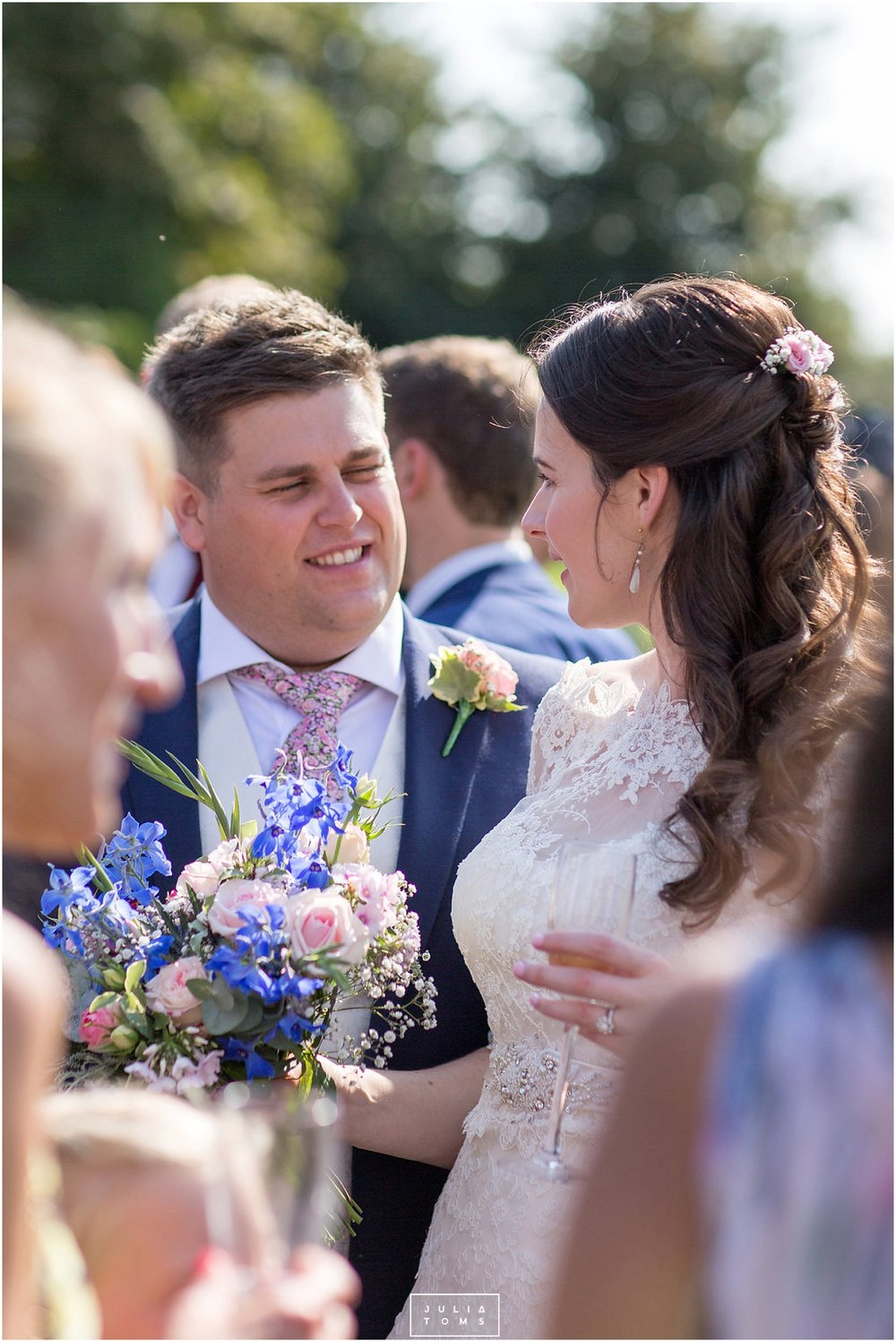 JuliaToms_chichester_fishbourne_wedding_photograher_edes_house_027.jpg