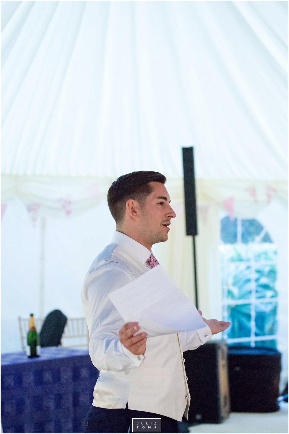 JuliaToms_chichester_fishbourne_wedding_photograher_edes_house_046.jpg