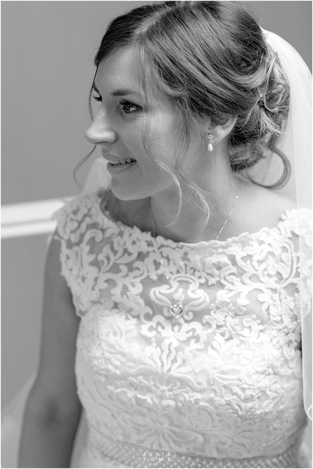 Julia_toms_chichester_wedding_photographer_002.jpg