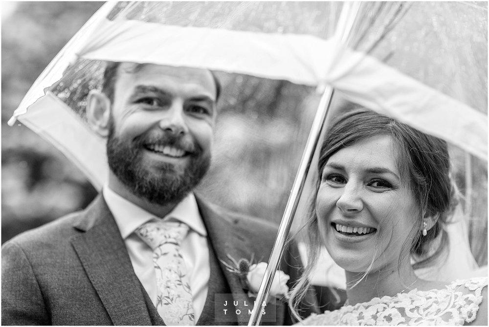 Julia_toms_chichester_wedding_photographer_011.jpg