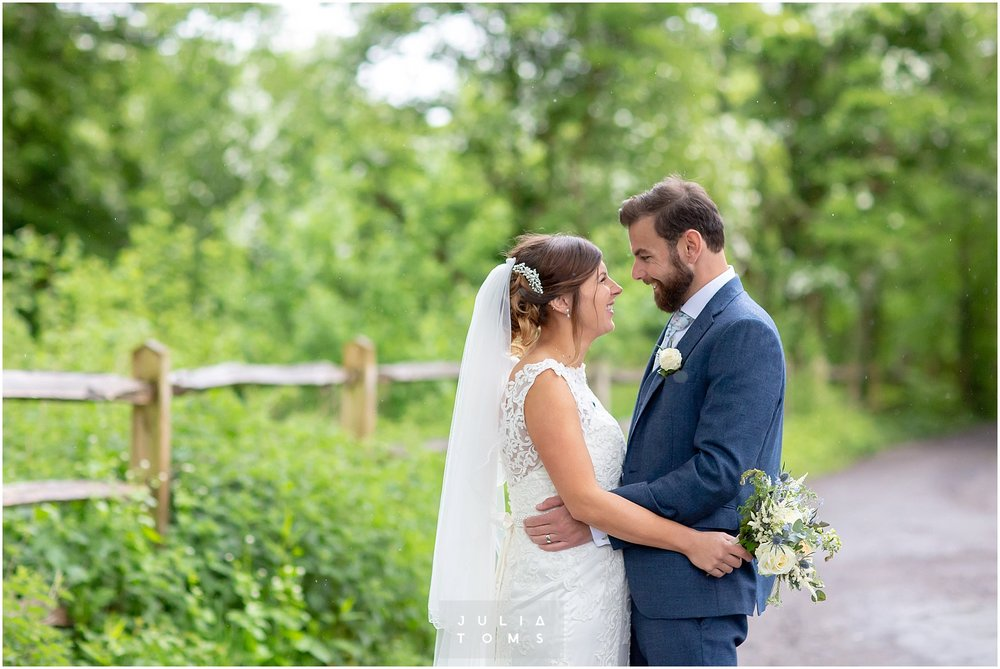 Julia_toms_chichester_wedding_photographer_013.jpg