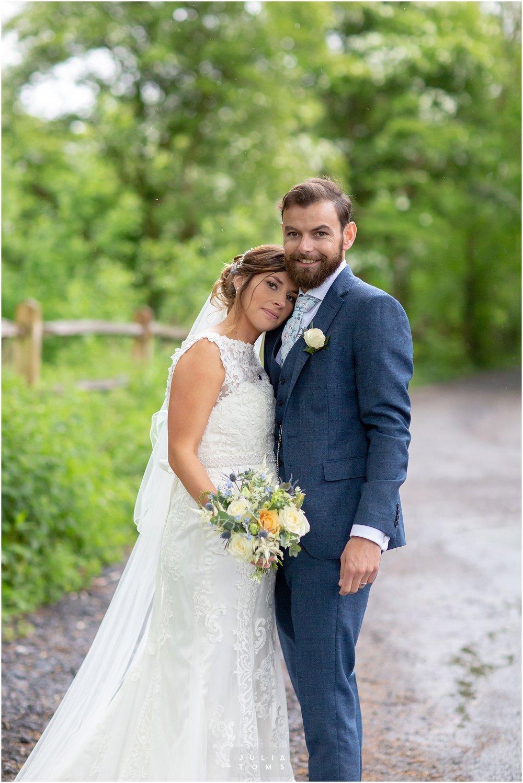 Julia_toms_chichester_wedding_photographer_012.jpg