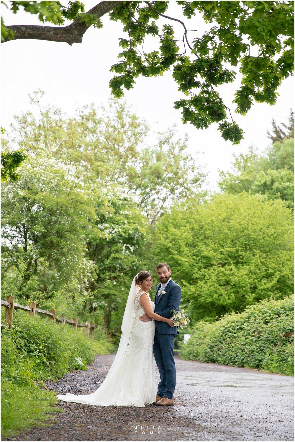 Julia_toms_chichester_wedding_photographer_014.jpg