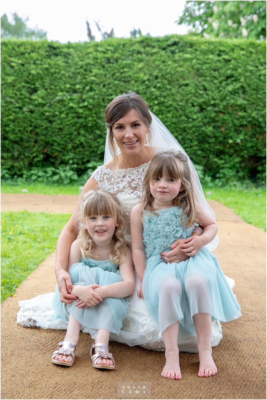 Julia_toms_chichester_wedding_photographer_019.jpg