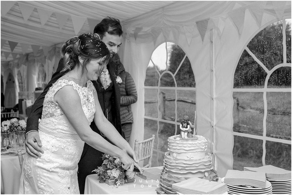 Julia_toms_chichester_wedding_photographer_025.jpg