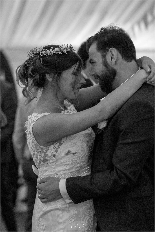 Julia_toms_chichester_wedding_photographer_034.jpg