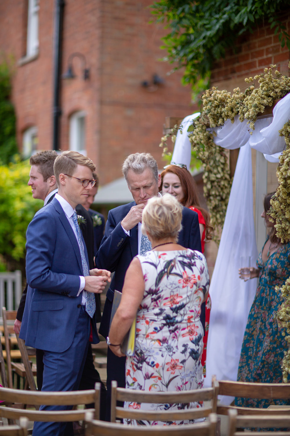 chichester_wedding_photographer_london_juliatoms_010.jpg