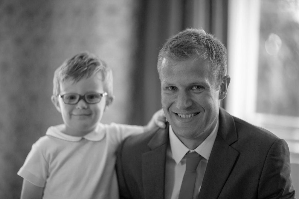 chichester_wedding_photographer_london_juliatoms_012.jpg