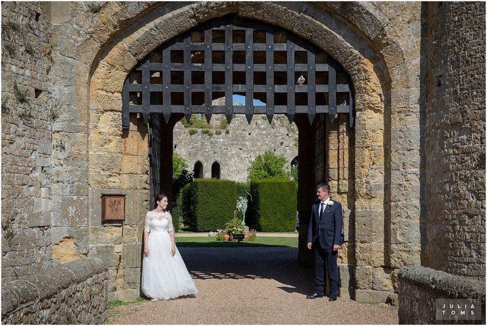 amberley_castle_wedding_photographer_034.jpg