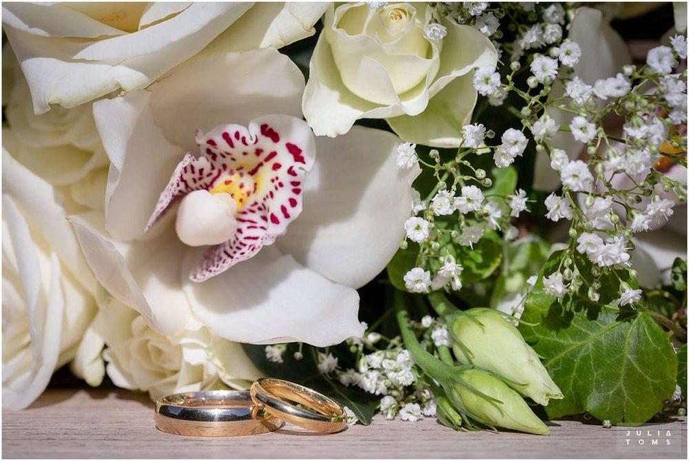 amberley_castle_wedding_photographer_046.jpg