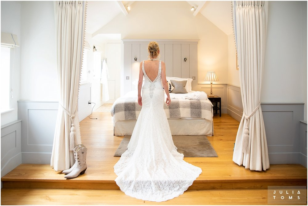farbridge_barn_wedding_photographer_chichester_007.jpg