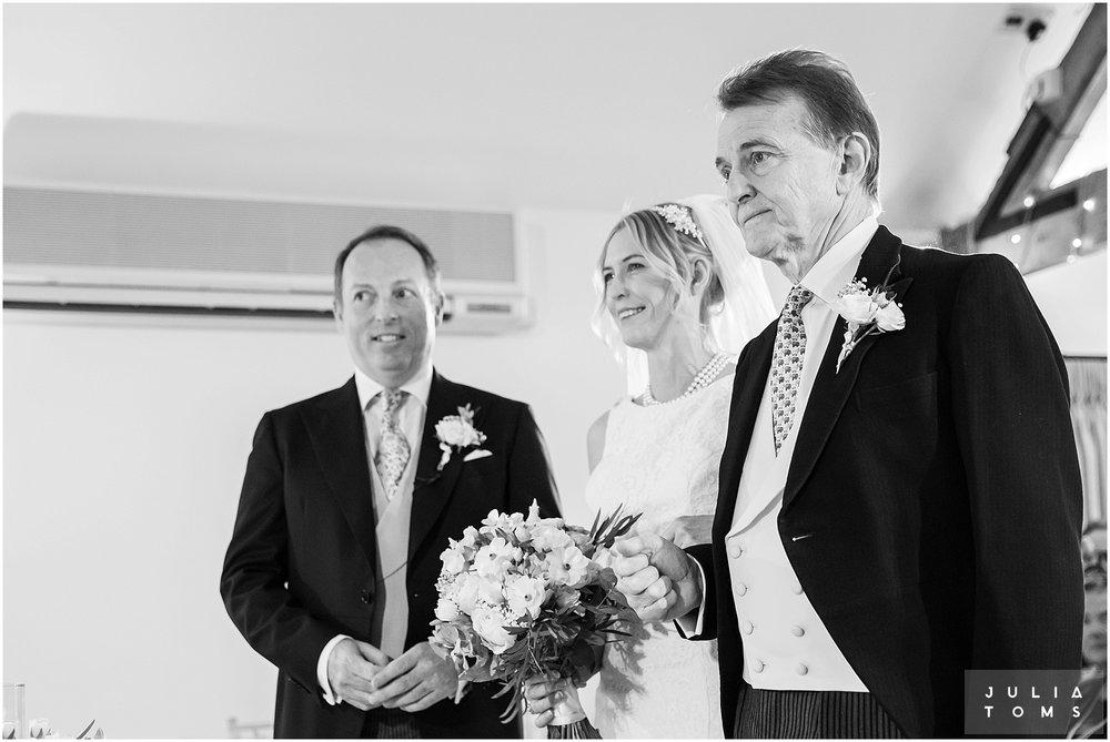 farbridge_barn_wedding_photographer_chichester_020.jpg