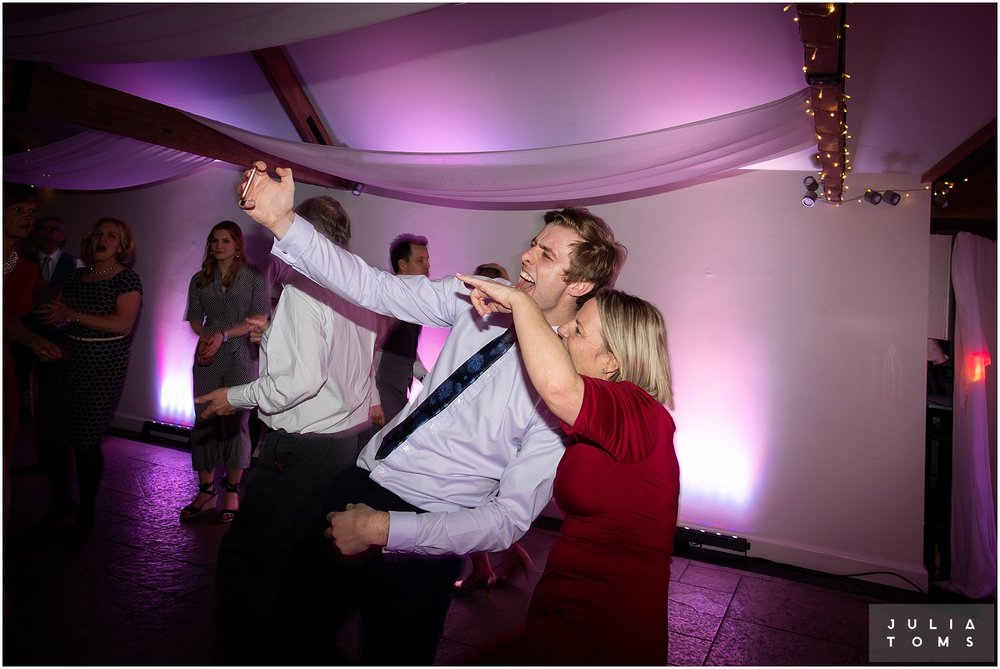farbridge_barn_wedding_photographer_chichester_064.jpg