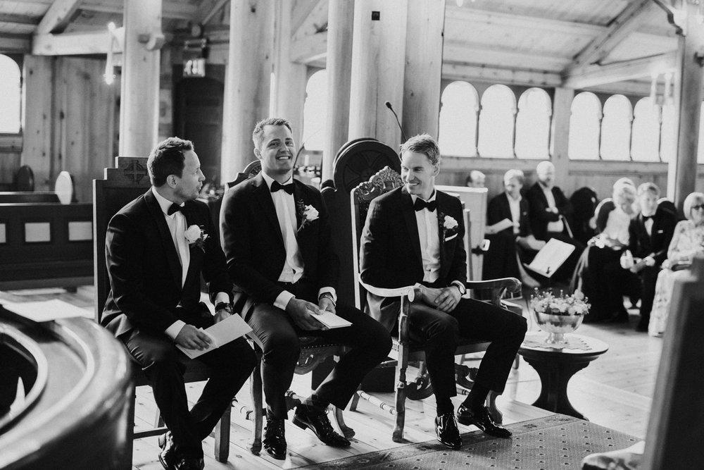 010-bryllupsfotograf-holmenkollen-kapell-lysebu-tone-tvedt.jpg