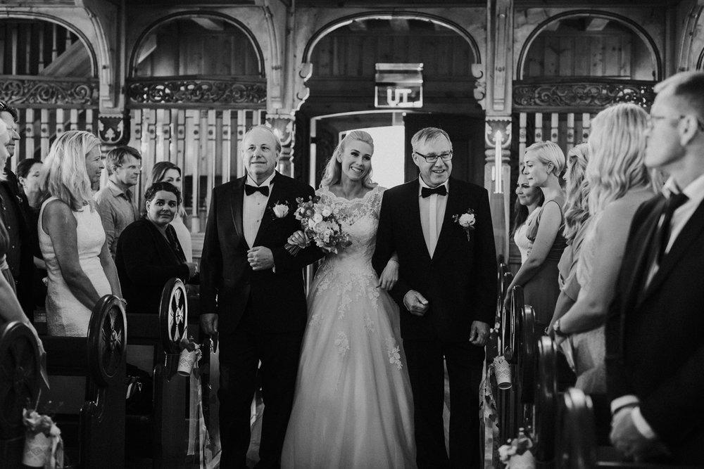 013-bryllupsfotograf-holmenkollen-kapell-lysebu-tone-tvedt.jpg