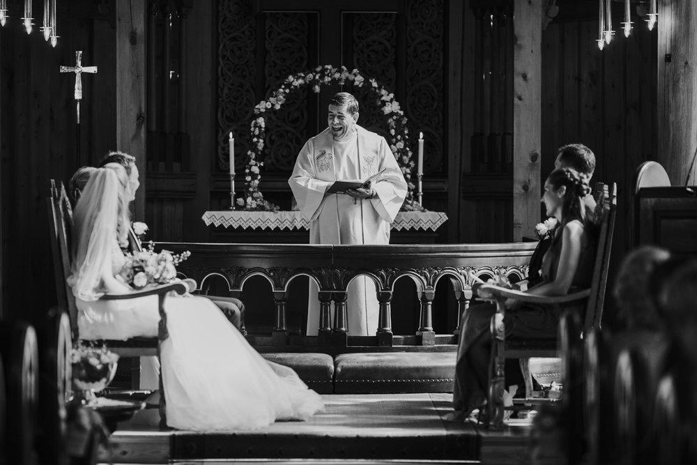 019-bryllupsfotograf-holmenkollen-kapell-lysebu-tone-tvedt.jpg