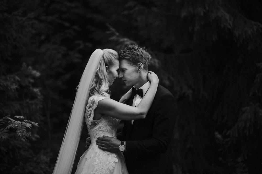 037-bryllupsfotograf-holmenkollen-kapell-lysebu-tone-tvedt.jpg