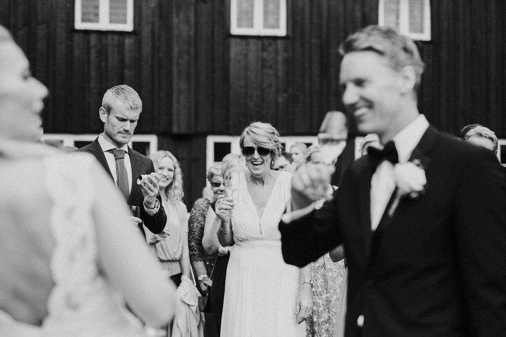 046-bryllupsfotograf-holmenkollen-kapell-lysebu-tone-tvedt.jpg