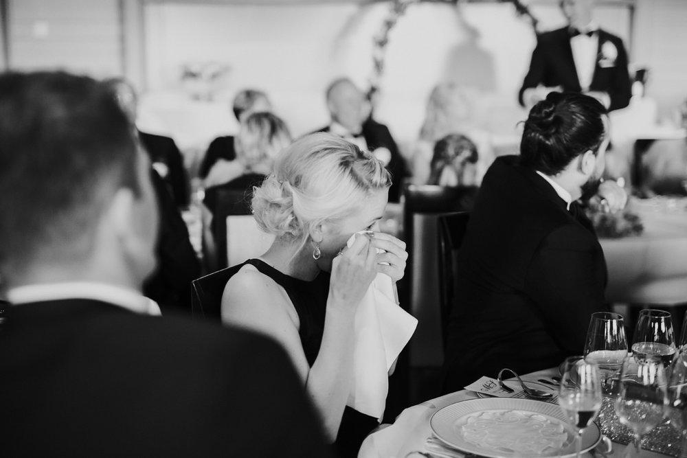 060-bryllupsfotograf-holmenkollen-kapell-lysebu-tone-tvedt.jpg