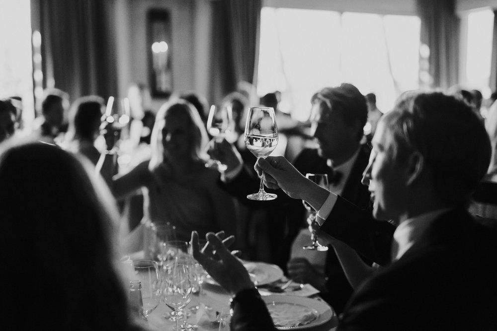 061-bryllupsfotograf-holmenkollen-kapell-lysebu-tone-tvedt.jpg