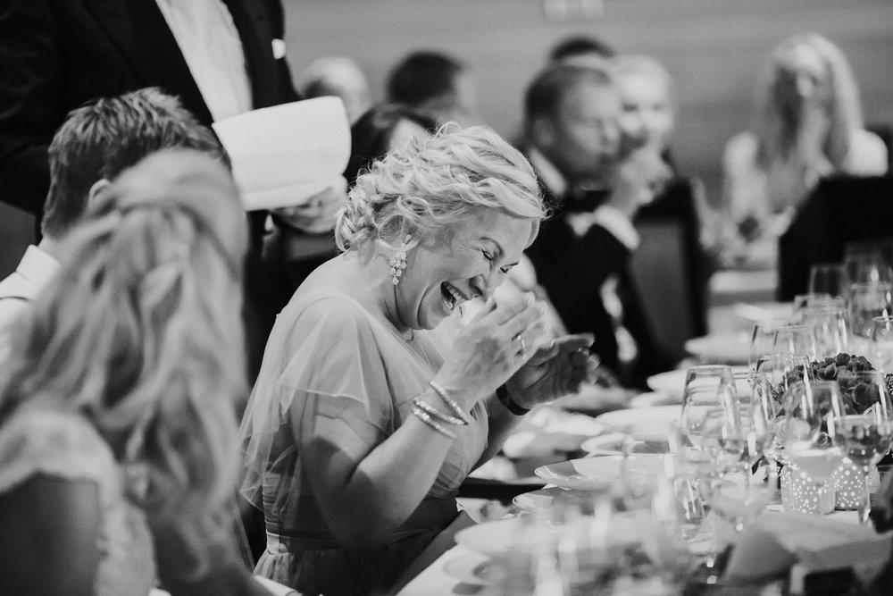 071-bryllupsfotograf-holmenkollen-kapell-lysebu-tone-tvedt.jpg