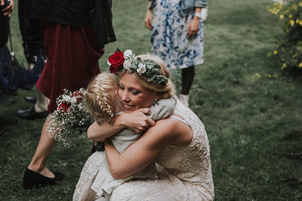 026-bryllupsfotograf-oslo-drobak-laavebryllup-tone-tvedt.jpg