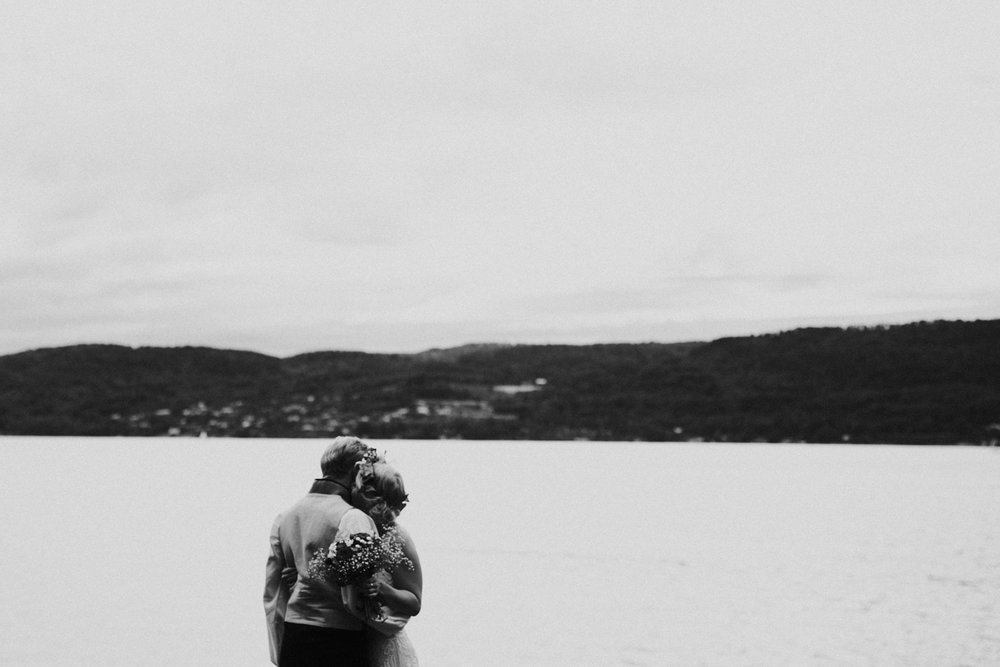 035-bryllupsfotograf-oslo-drobak-laavebryllup-tone-tvedt.jpg