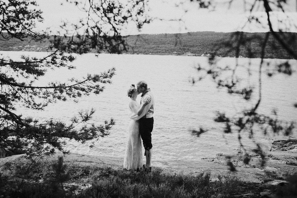 039-bryllupsfotograf-oslo-drobak-laavebryllup-tone-tvedt.jpg