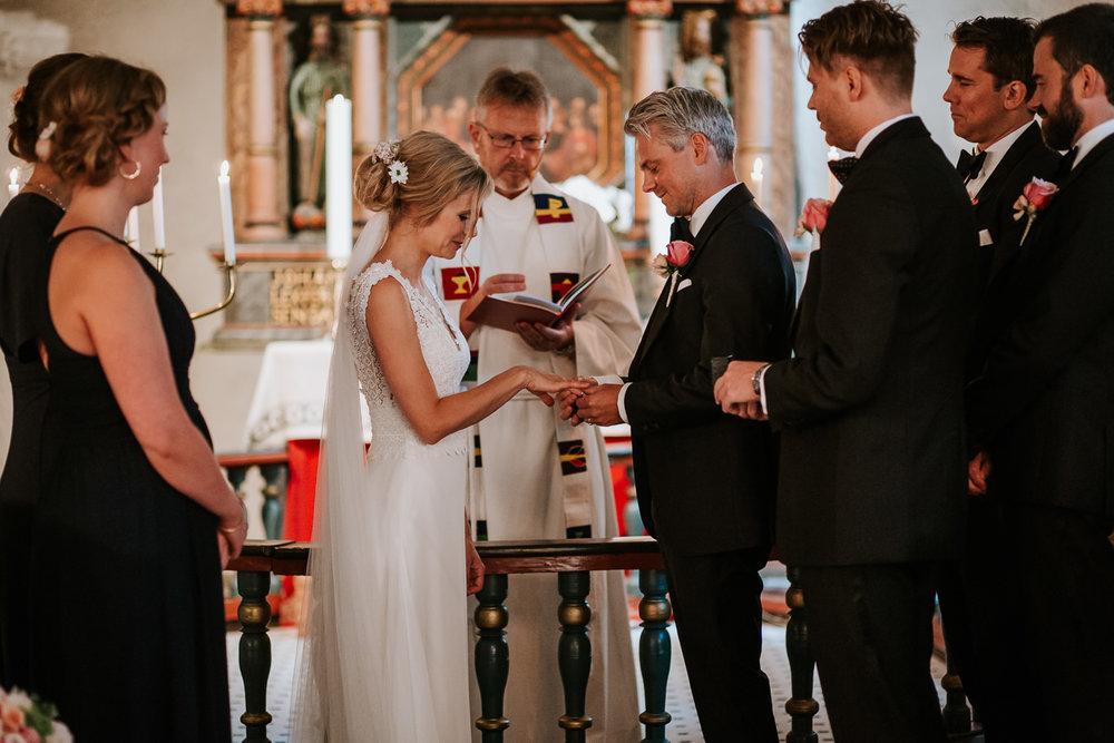 Bryllupsfotograf-kristiansand-tveit-kirke-123.jpg